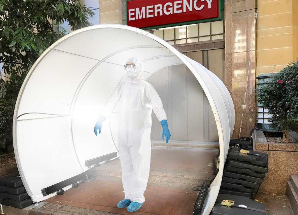 SS Sanitation Tunnel LITE - health care worker