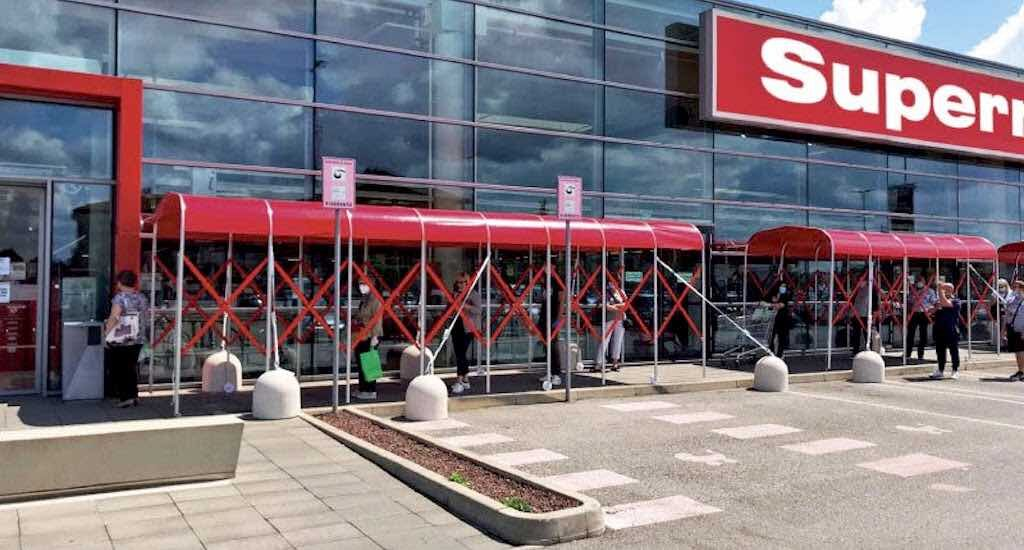 Retractable Tunnel for Social Distancing Queues Outside Supermarkets social distancing solutions