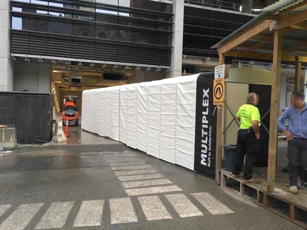 Multiplex branded retractable tunnel onsite duo central project